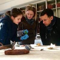 Hands-on Archaeology – Tobacco at the Palace