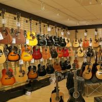 Vintage & Used Guitar Mart