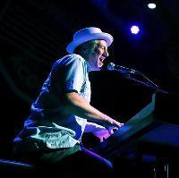 Dom Pipkin Solo Tour