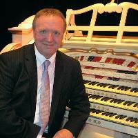Organ Concert: Nigel Ogden