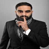 The Coastal Comedy Christmas Special with TV headliner Tez Ilyas!