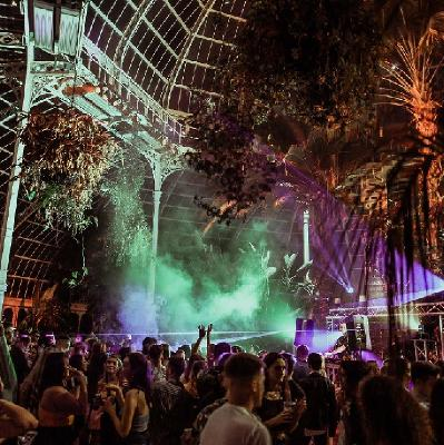 RAW: Halloween in the Palm House