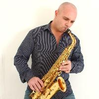 Singer & Saxaphonist Carlo Sax Live in the City