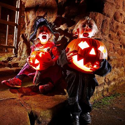 Spooky Carisbrooke Castle with Creepy Critters
