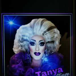 Tanya Minge - Drag Queen