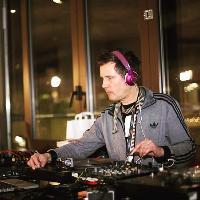 DJ Ben Osborne at The Hog
