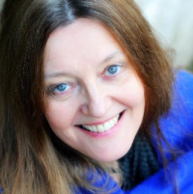 Quines: Poems in tribute to women of Scotland by Gerda Stevenson | Scottish  Poetry Library Edinburgh ...