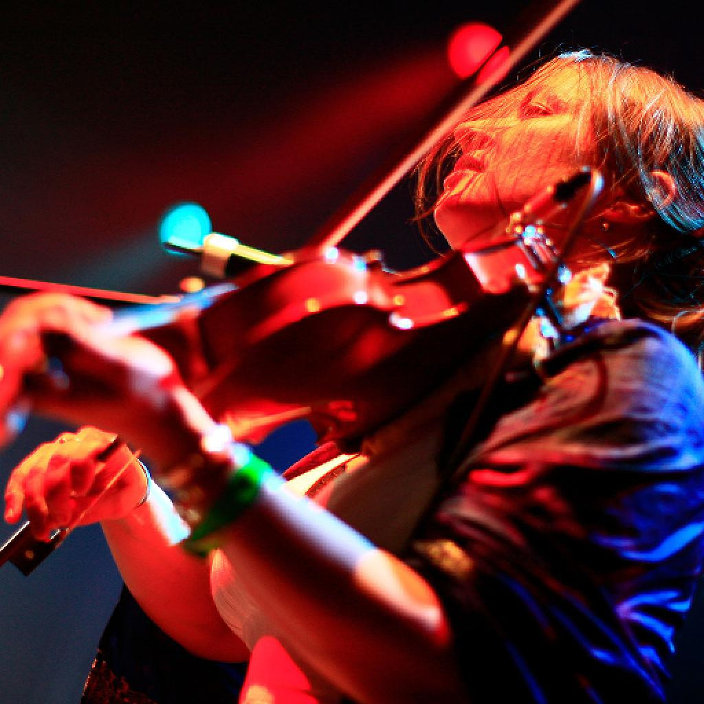 ELIZA CARTHY and Restitute Band at The Crescent, YORK Photo
