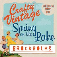 Crafty Vintage : Spring on the Lake