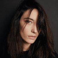 Amelie Lens - Renaissance meets face