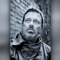 Tom Hingley + support