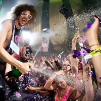 I Love... Champagne Showers