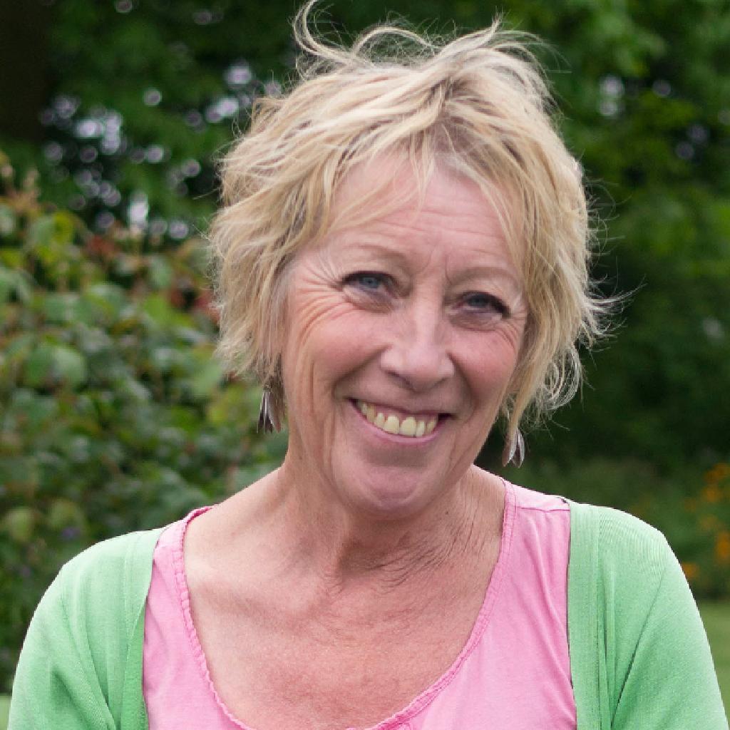 Carol S Garden: Carol Klein - Life In A Cottage Garden
