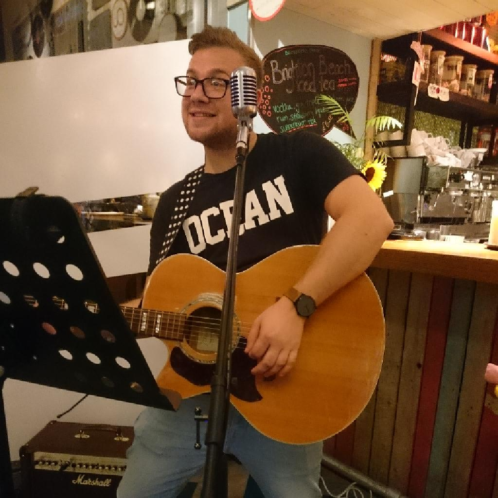 live music from Billy Ashley