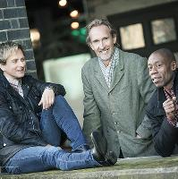 Mike and the Mechanics - Looking Back Over My Shoulder Tour