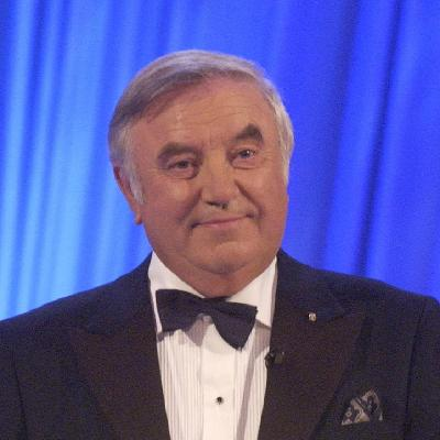 Jimmy Tarbuck OBE Shares 50 Years of Memories