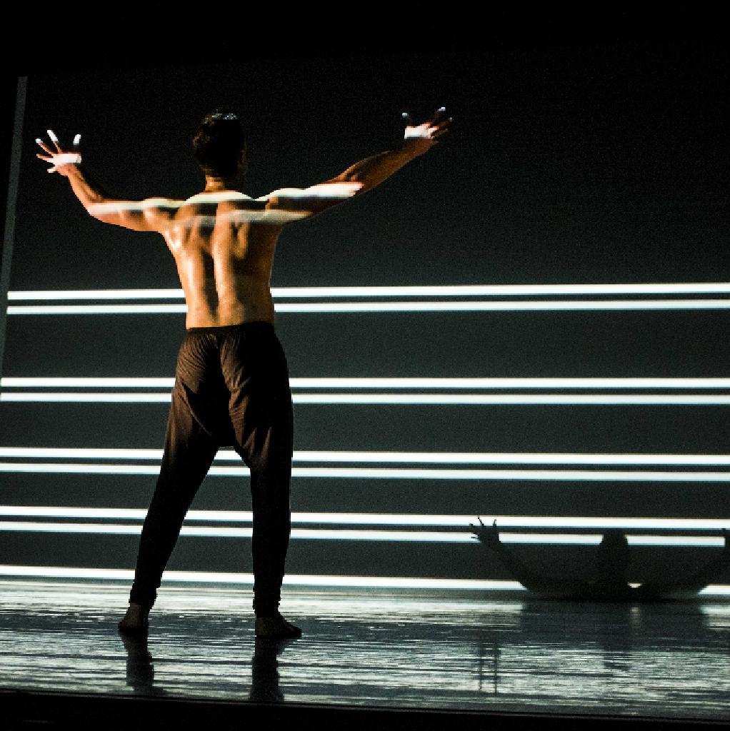 The New Zealand Dance Company: Lumina
