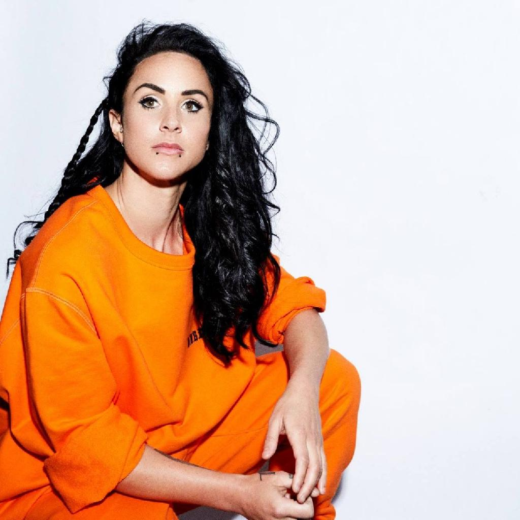 MiNT Presents Hannah Wants - New Years Day