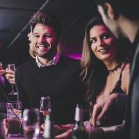 nopeus dating Edinburgh 20s vanhempi kaveri dating nuorempi tyttö aika välillä