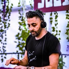 Social Avenue Indoor Series: Moxy Muzik W/ Darius Syrossian