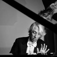 Piano Marathon with Cardiff Sinfonietta and Emilio Aversano
