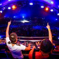 Tomorrowland presents Dimitri Vegas & Like Mike