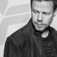 Zoom Xmas Party with Ferry Corsten