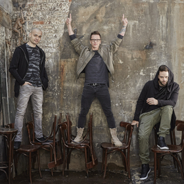 The Knowsley Social presents 5ive and 911