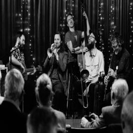 Tenement Jazz Band // Le QuecumBar