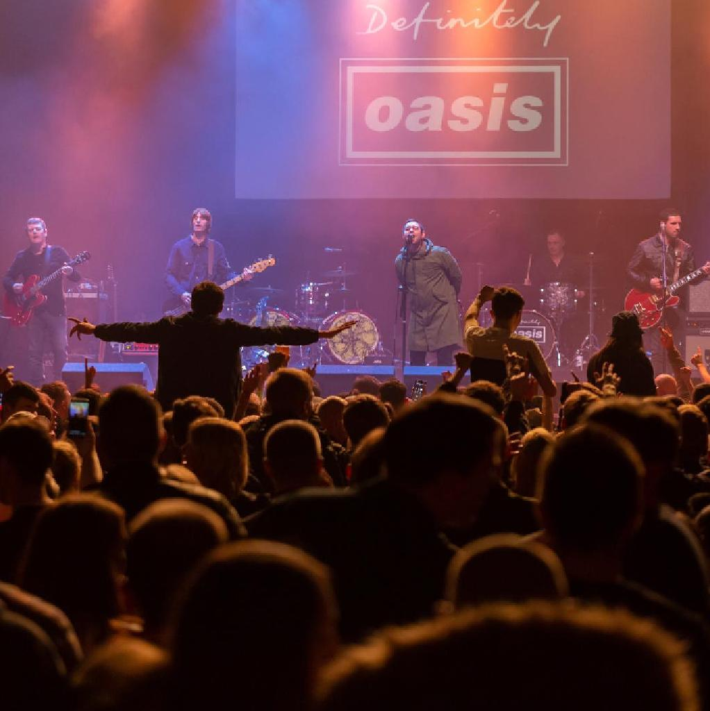 Definitely Oasis Live - Manchester