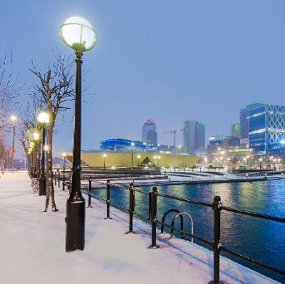 FESTIVE FORESTS & WINTERY WIZARDS: THE QUAYS AT CHRISTMAS