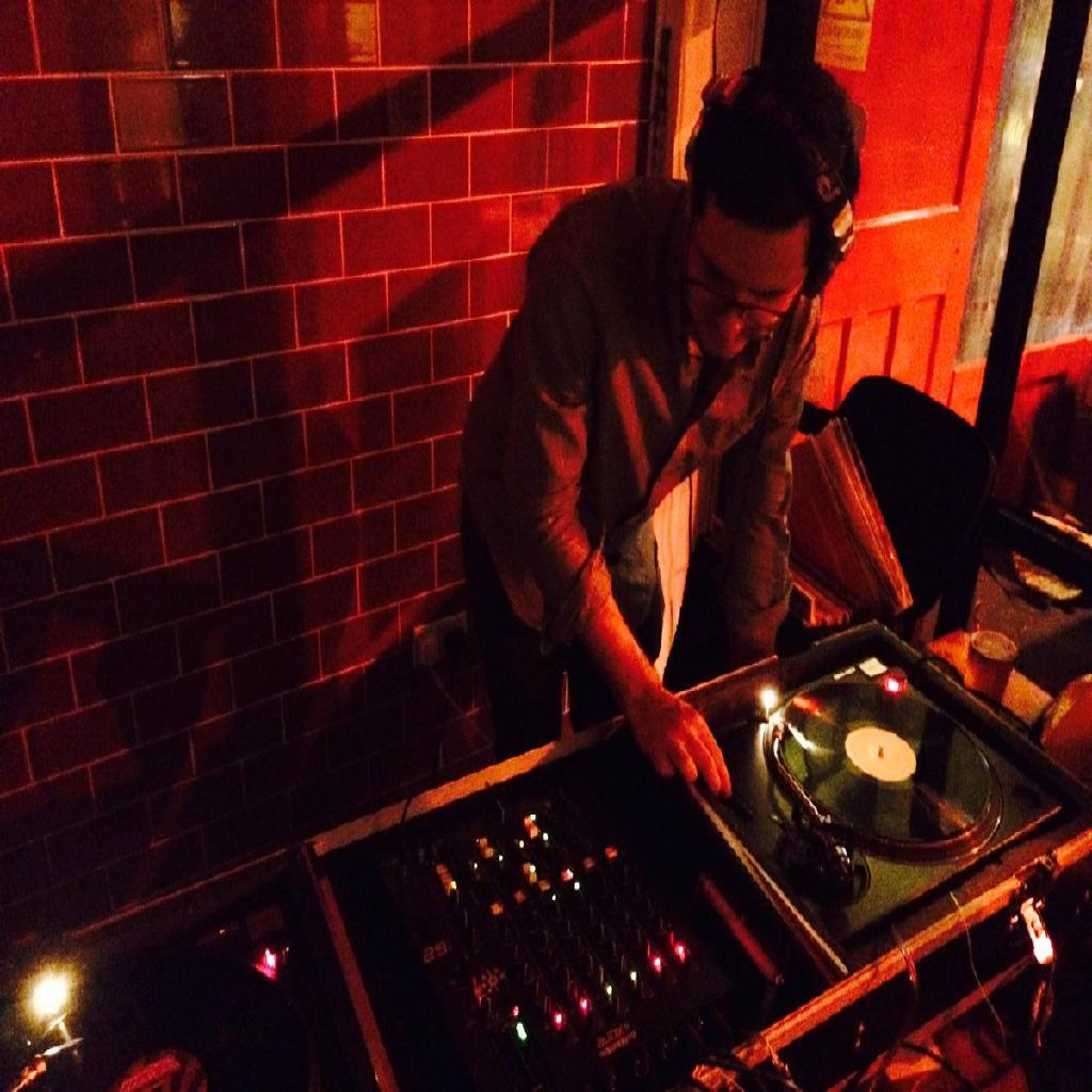 Ad Hoc DJs